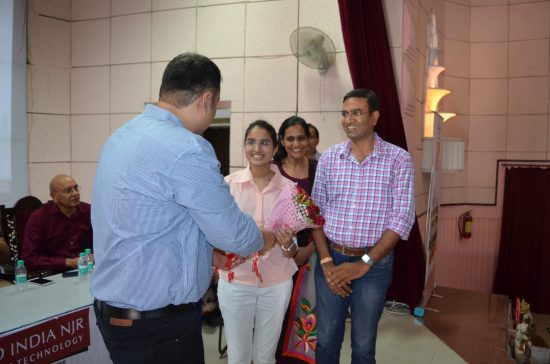 Kavya Bhandari, IIT JEE Delhi zone Girls topper being felicitated by Saurabh Khidiya of Dainik Bhaskar