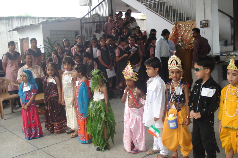 Primary Class Students had a Fancy Dress Competition alongwith Teacher's Day