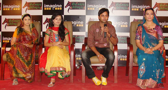 Artists of the serial (L to R) Khyati Khandke, Jaishree, Anuj Thakur, Nausheen Ali