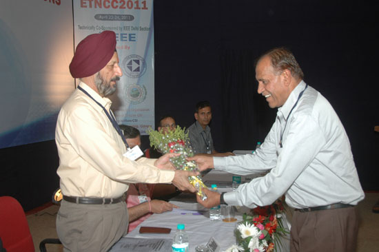 Welcoming Prof Chahal at ETNCC 2011