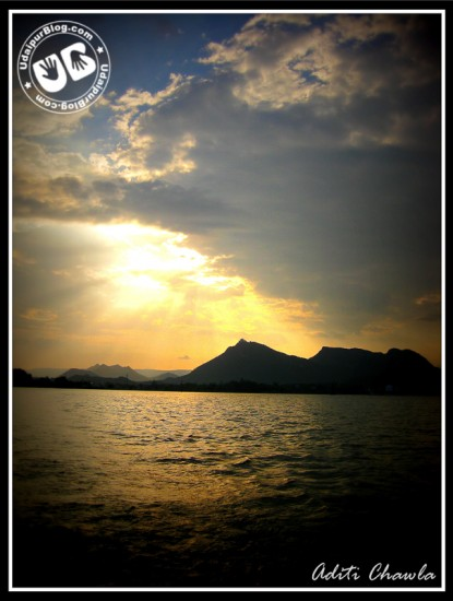 Sunset at the beautiful Fateh Sagar Lake