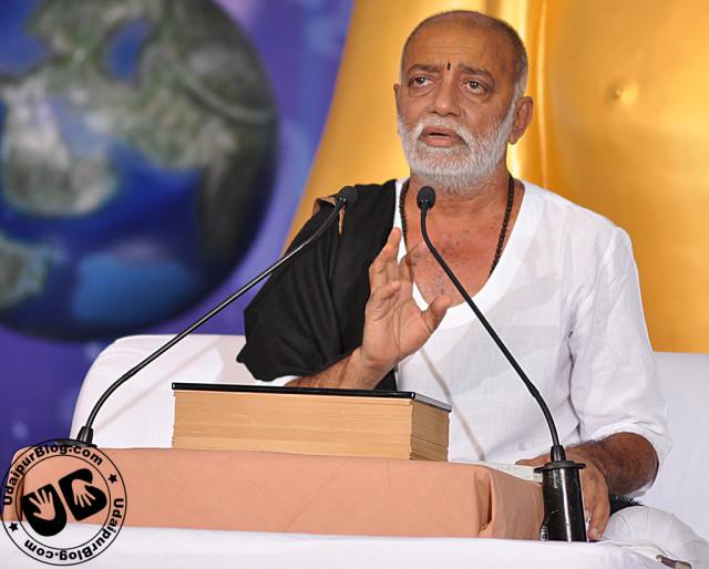 Manas-Prem-Morari-Bapu-in-Nathdwara