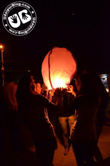 Sky lanterns in udaipur