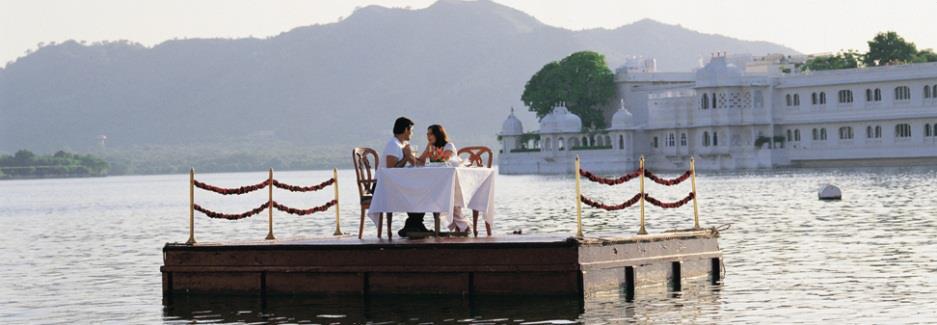 pontoon tourism udaipur