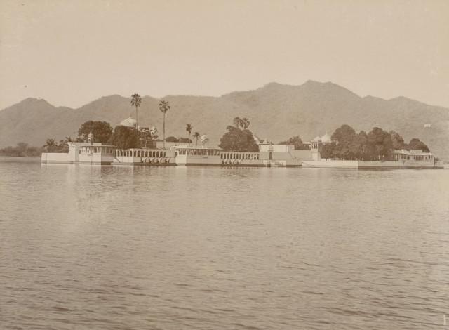 Island palace Jagmandir, Udaipur