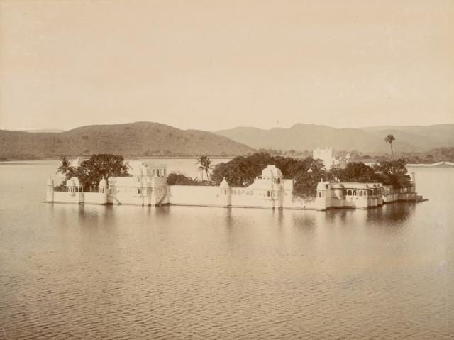 Island palace Jagniwas, Udaipur