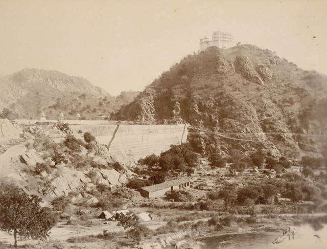 Palace on the hill adjoining the Bund of the Jaisamand lake [Dhebar Lake]