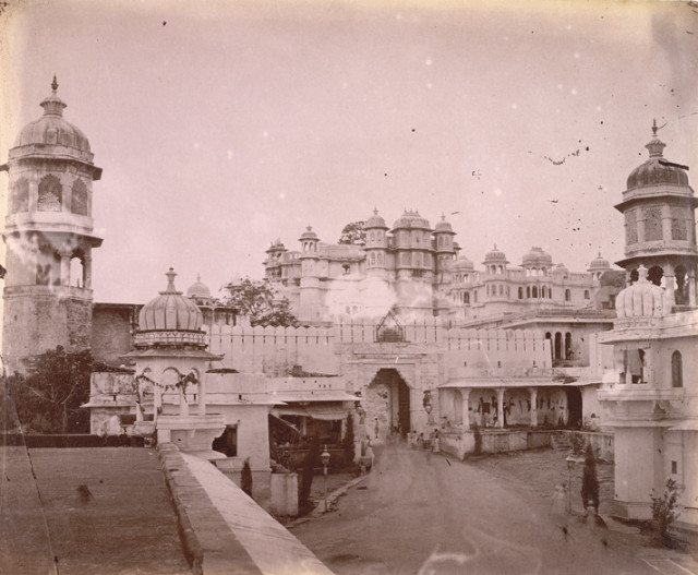 iew of the City Palace, with entrance gateway in the foreground, Udaipur