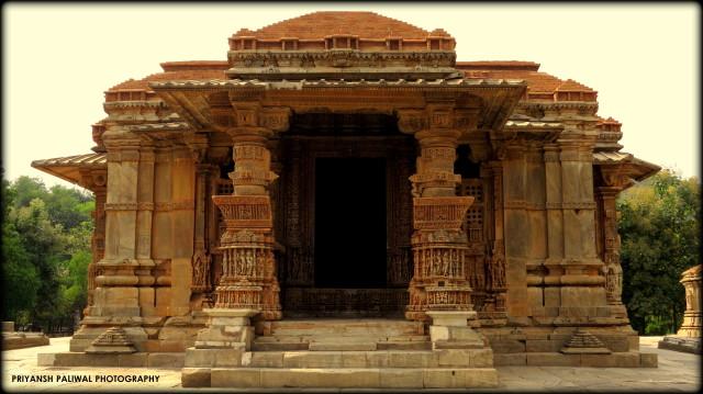 Saas Bahu Temple Nagda (3)