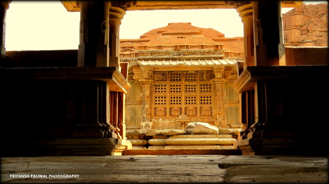 Saas Bahu Temple Nagda (6)