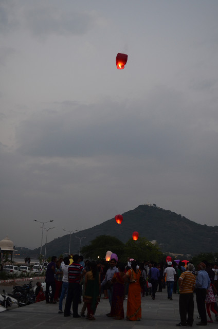 sky full of lighters udaipur 2