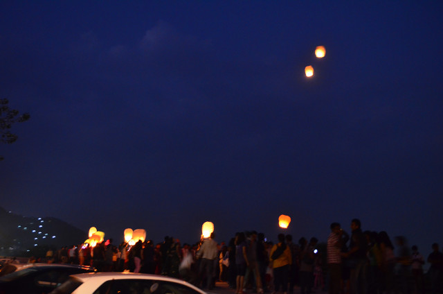 sky full of lighters udaipur 28