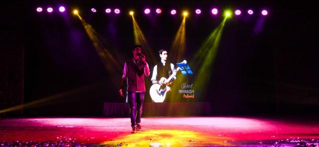 Priyansh Paliwal performing Live