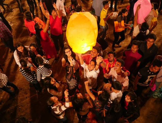 Udaipur Lantern Festival - Amos Chapple