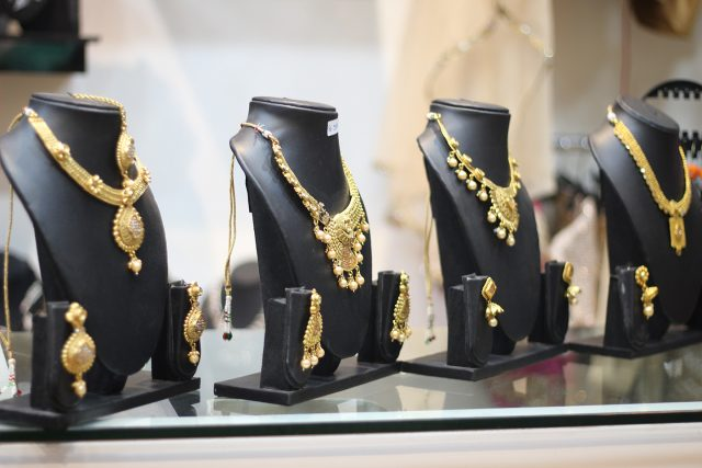 accessories on rent rivaaz fashion rental store