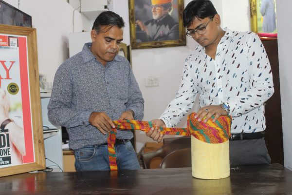 Kothari Brothers from Udaipur Made a Turban For PM Modi