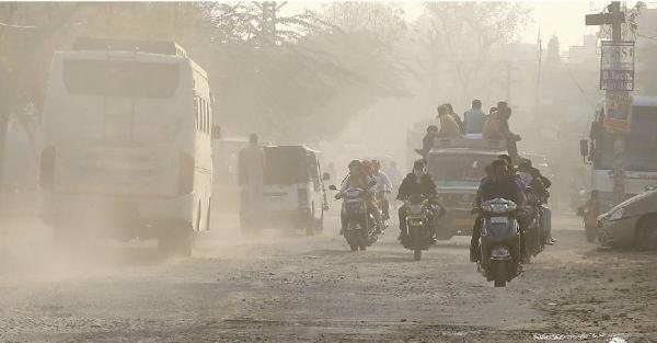 धूल भरी सड़के