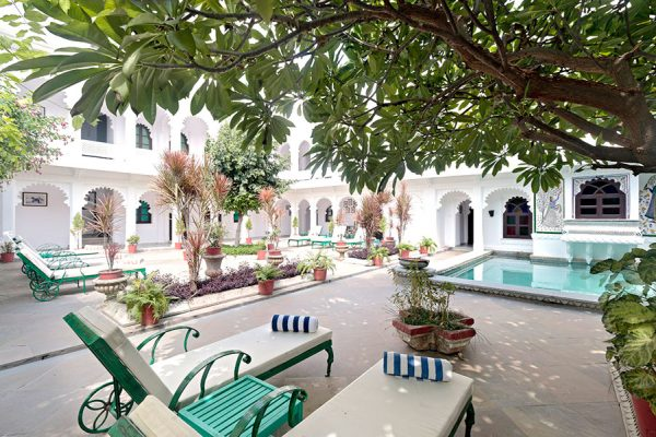 Budget Hotels in Udaipur with a Lake View